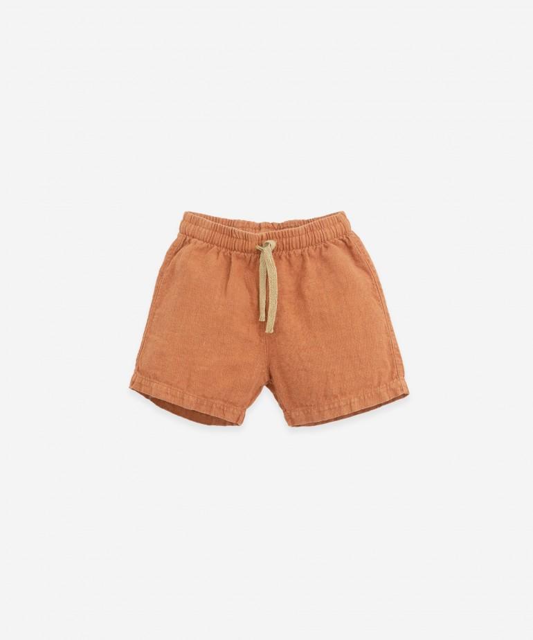 Pantaloncini di lino con tasca grande