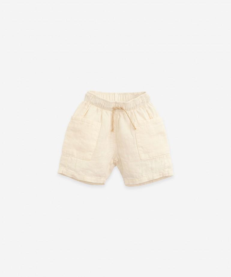Pantaloncini in lino con cordoncino