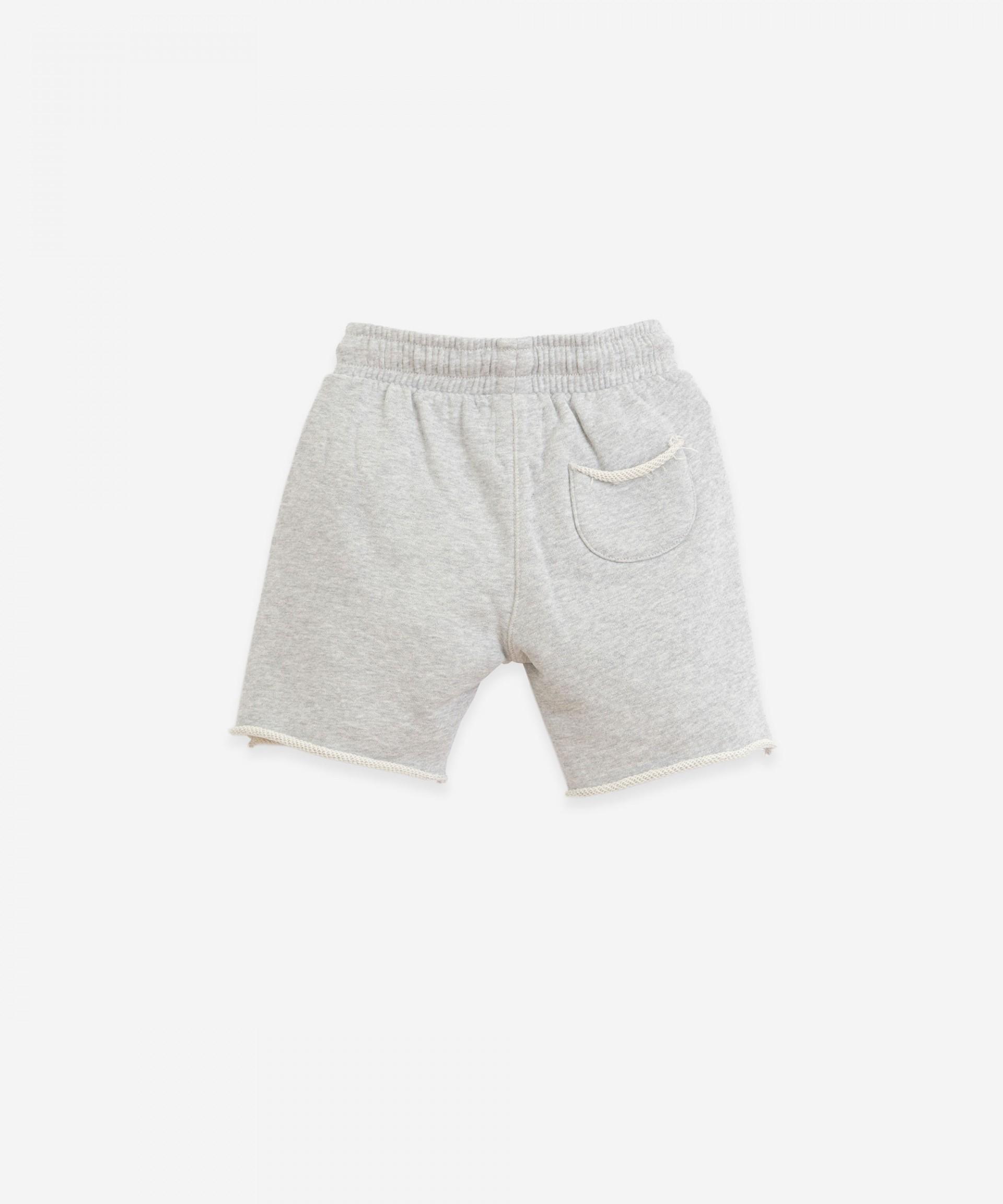 Shorts with pockets | Botany