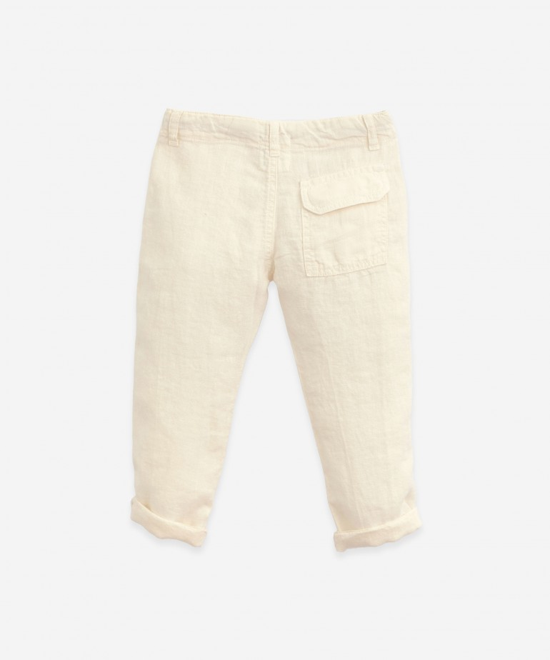 Linen trousers with pockets