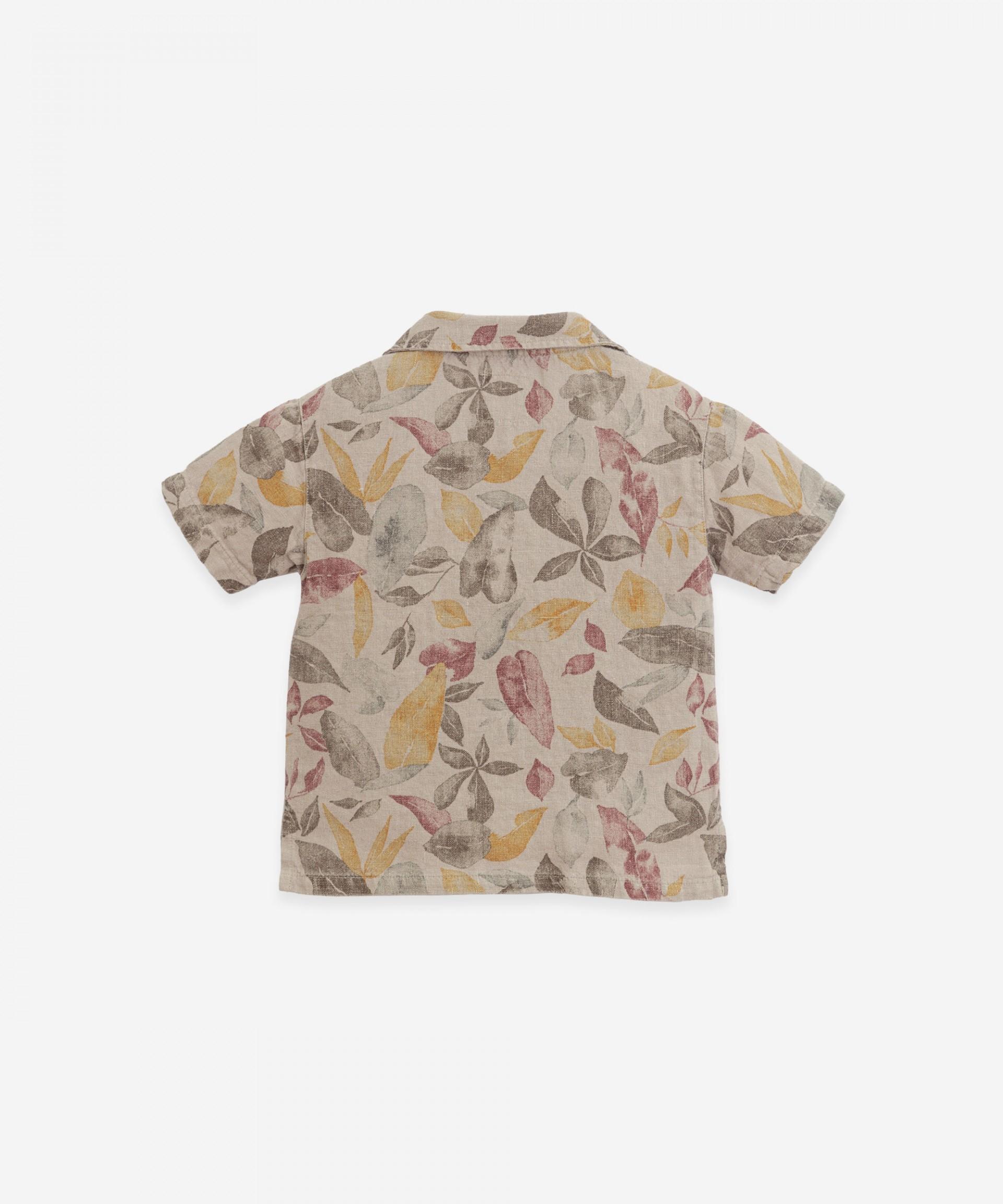 Camisa de linho com estampado de folhas | Botany