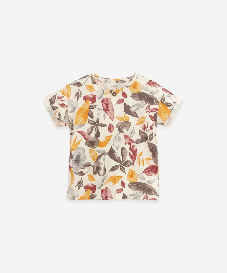 T-shirt with leaves print