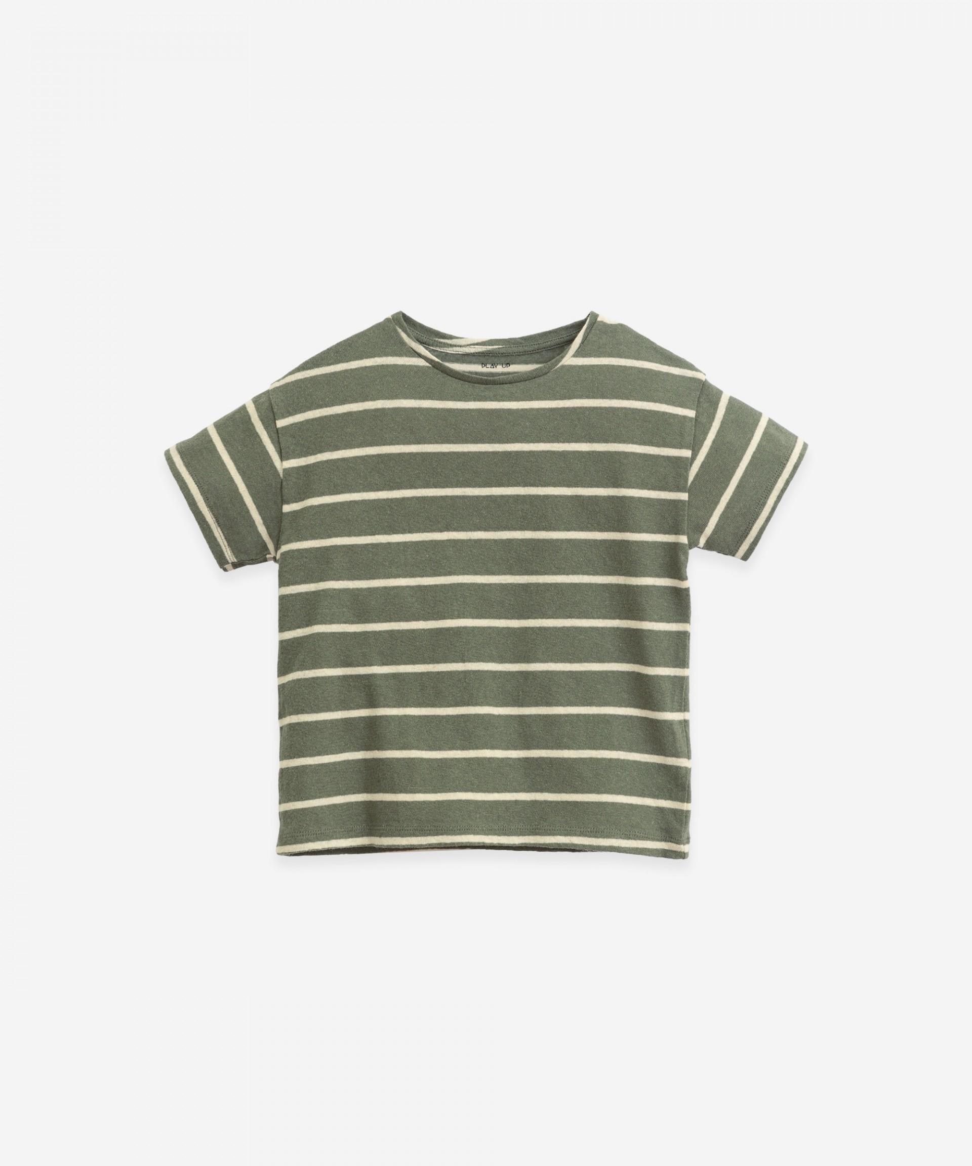 T-shirt riscas com decote redondo | Botany