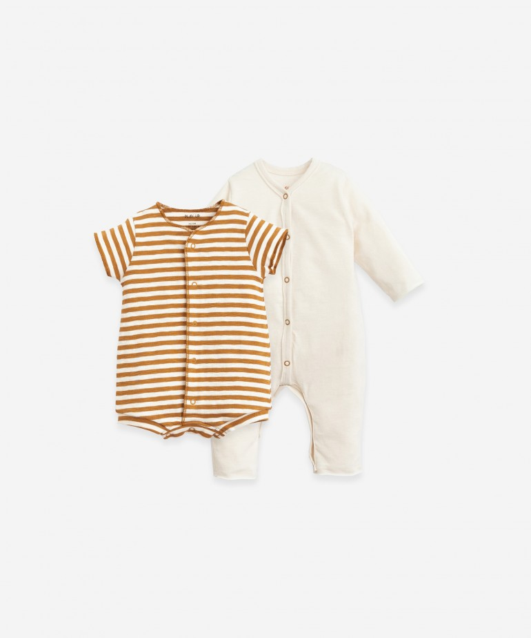 Pack of 2 plain and striped babygrows