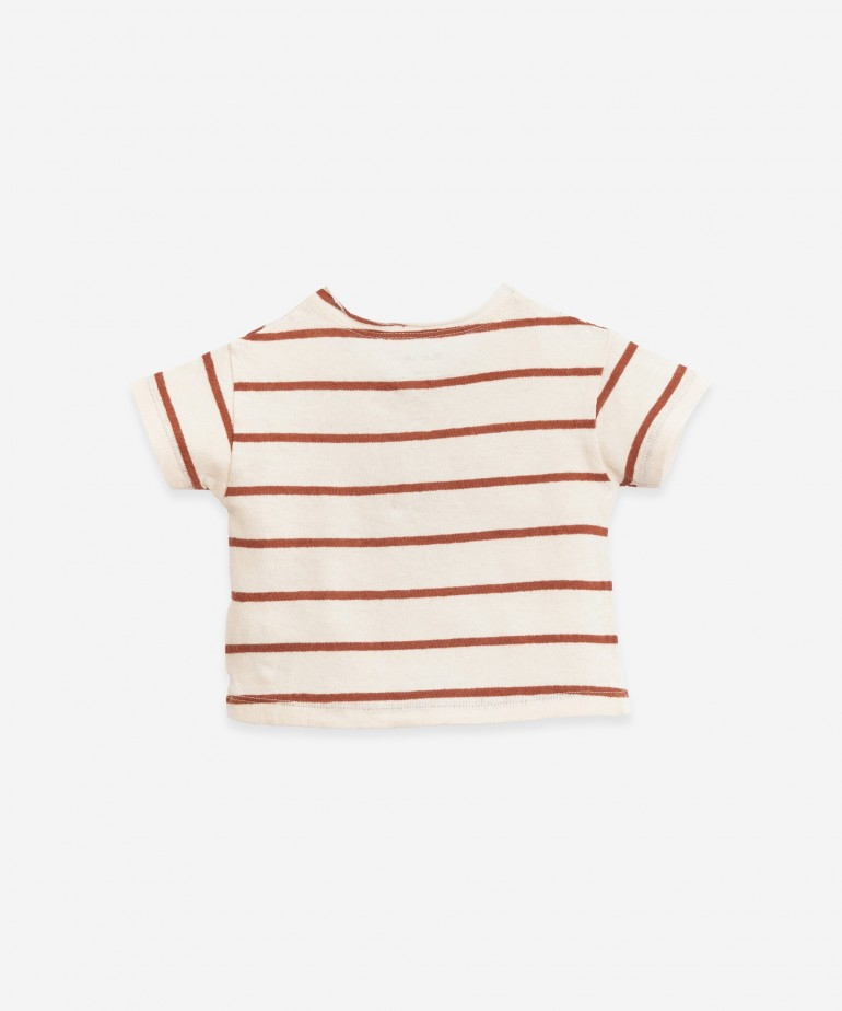 Striped T-shirt of a mixture of fibres