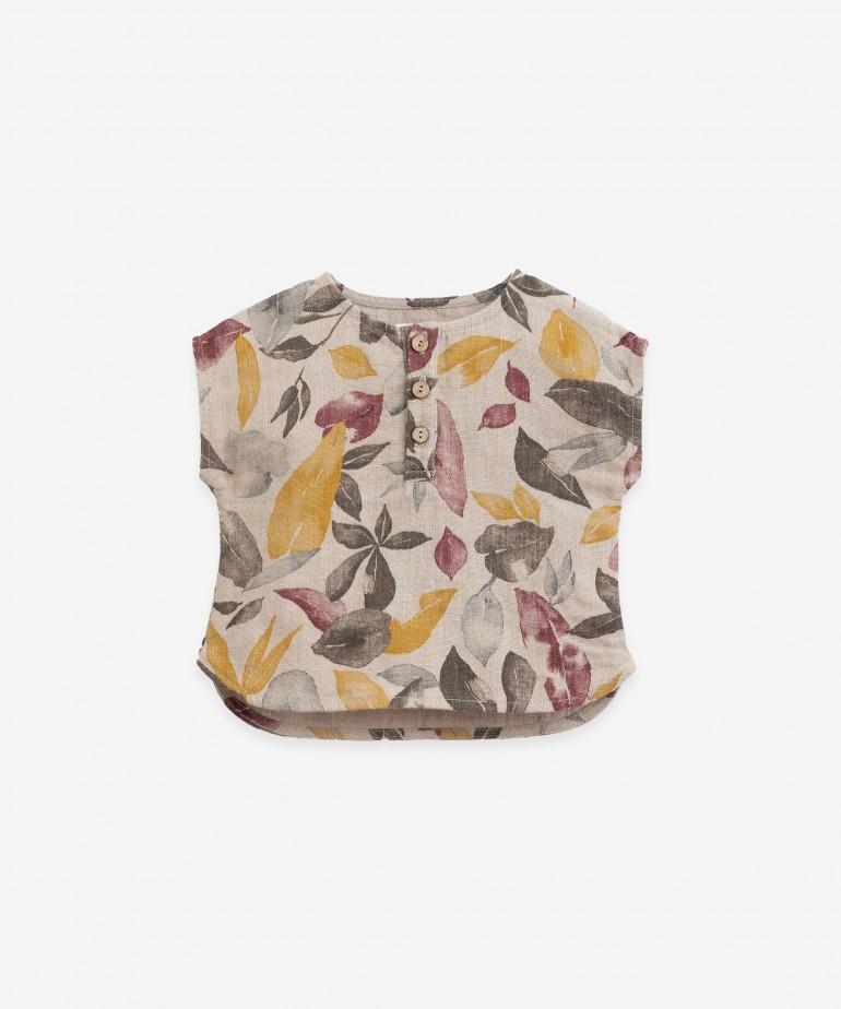 Camisa de linho com estampado de folhas