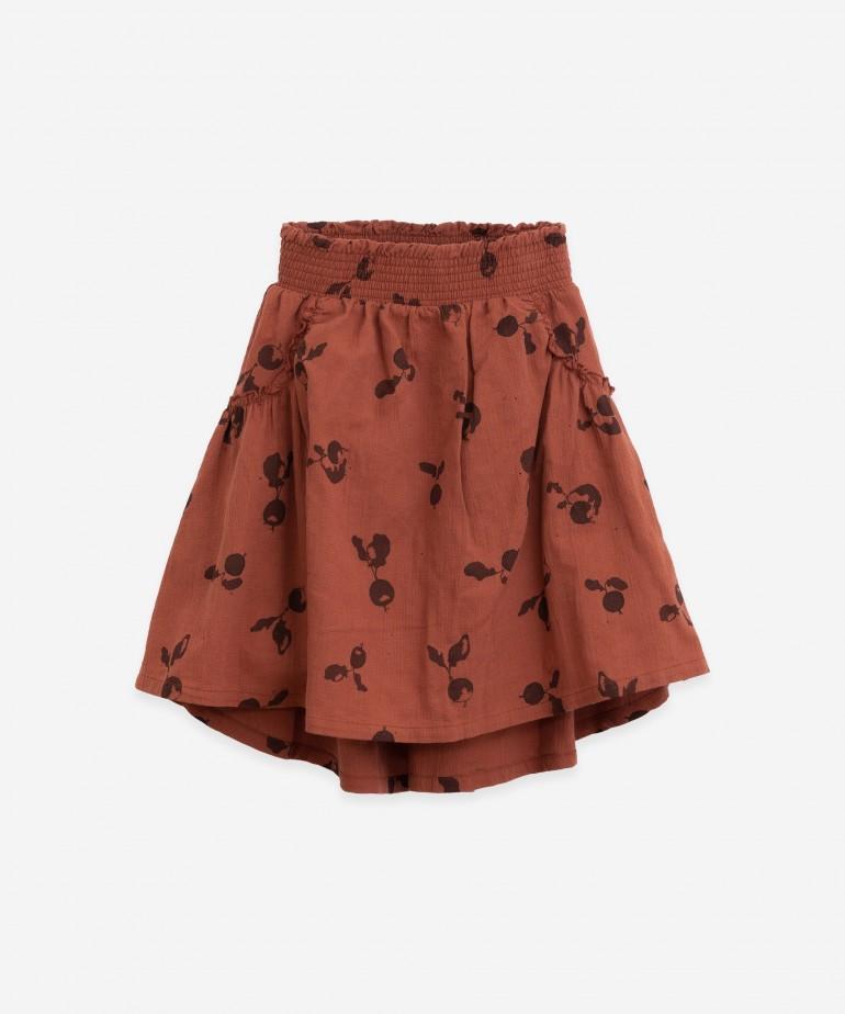 Falda con estampado de rabanitos