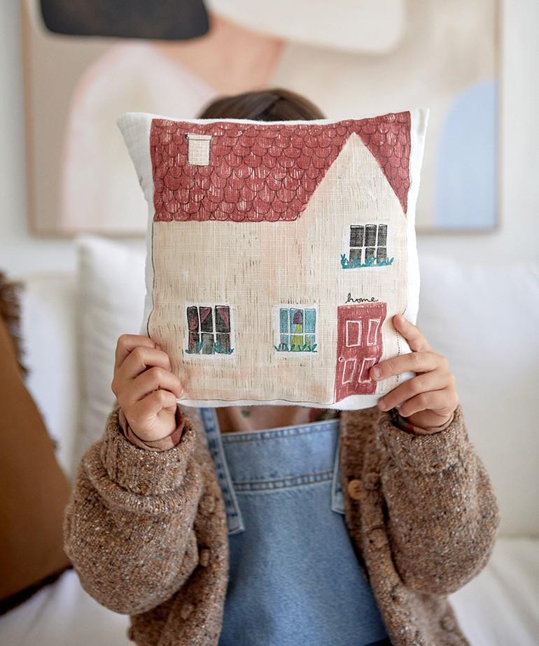 Almofada com ilustração por Violeta Cor de Rosa