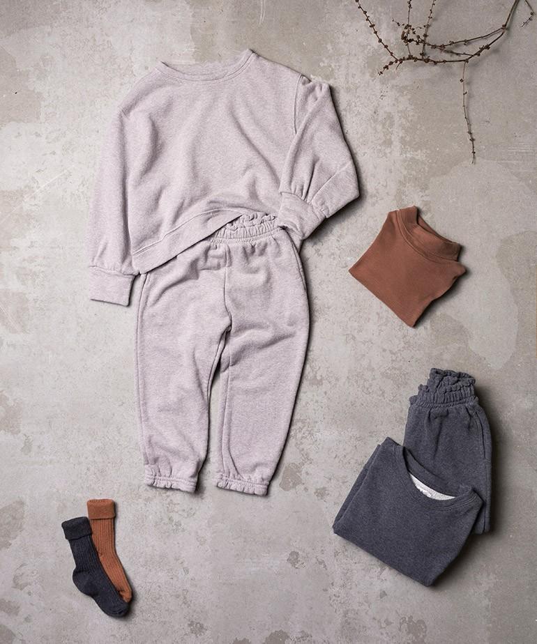 Pantaloni con volant sulla cintura