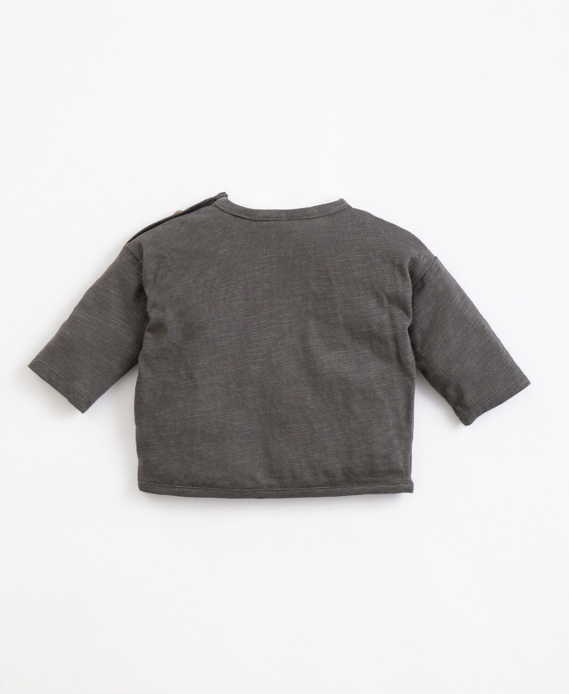 T-shirt em algodão orgânico com bolso | Illustration