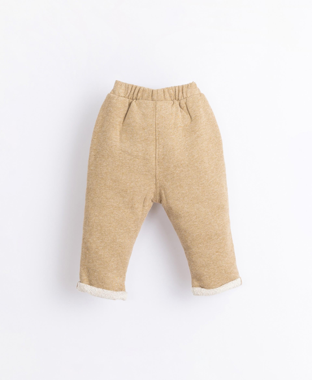 Pantaloni con cordoncino decorativo | Illustration