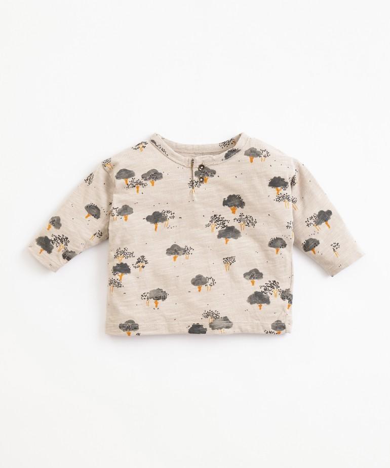 Camiseta de algodón orgánico con estampado de árboles