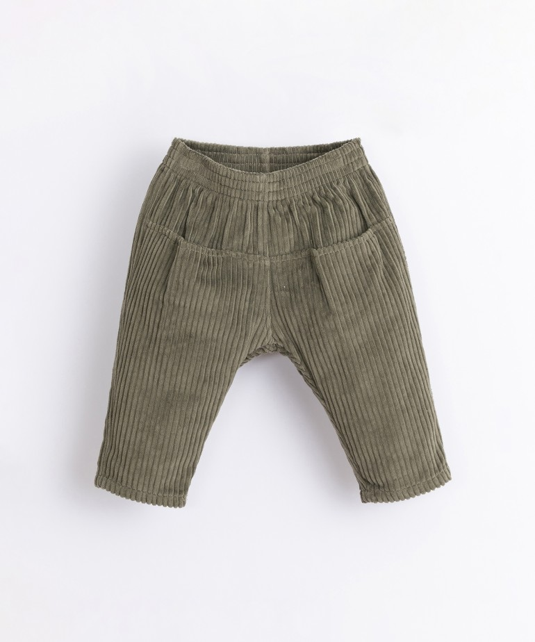 Corduroy trousers with front pockets