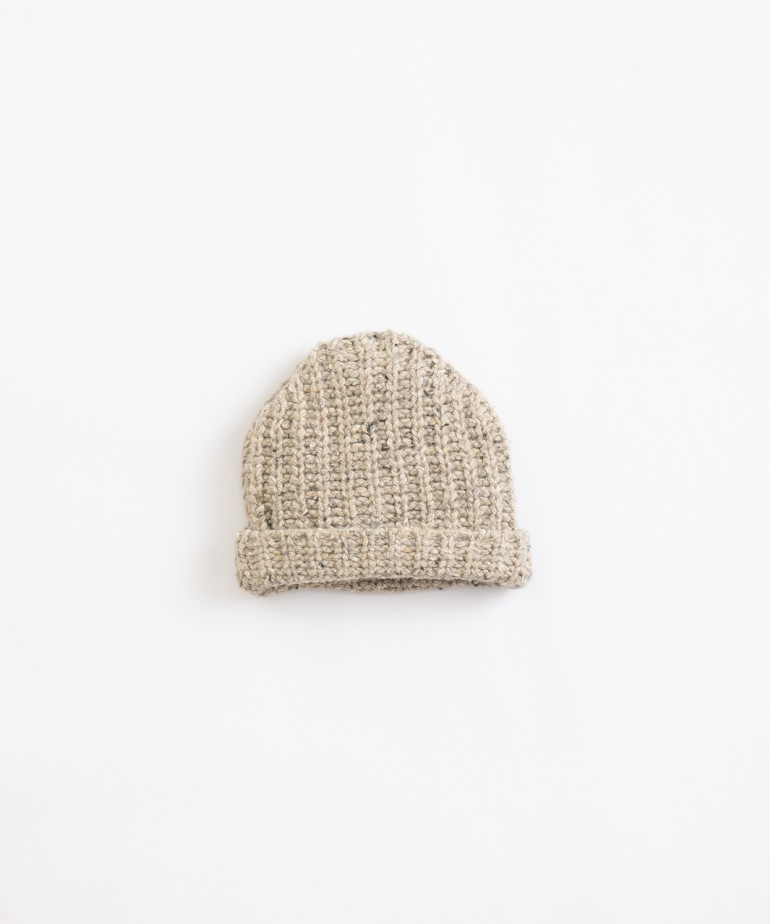 Knitted beanie with turn up