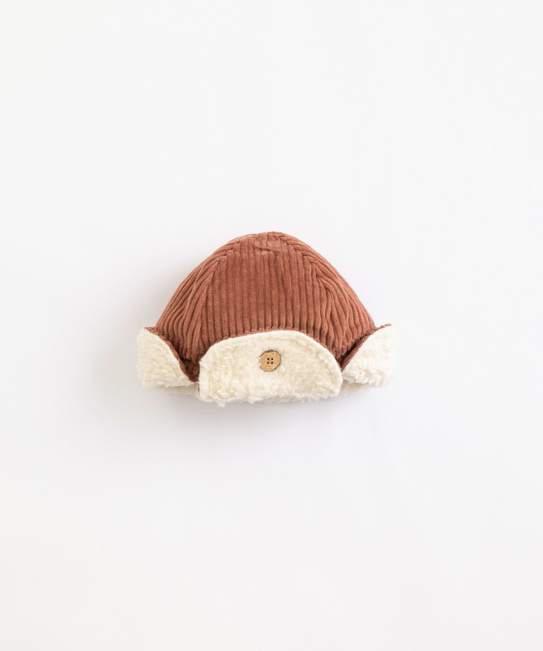 Corduroy hat with sun shade