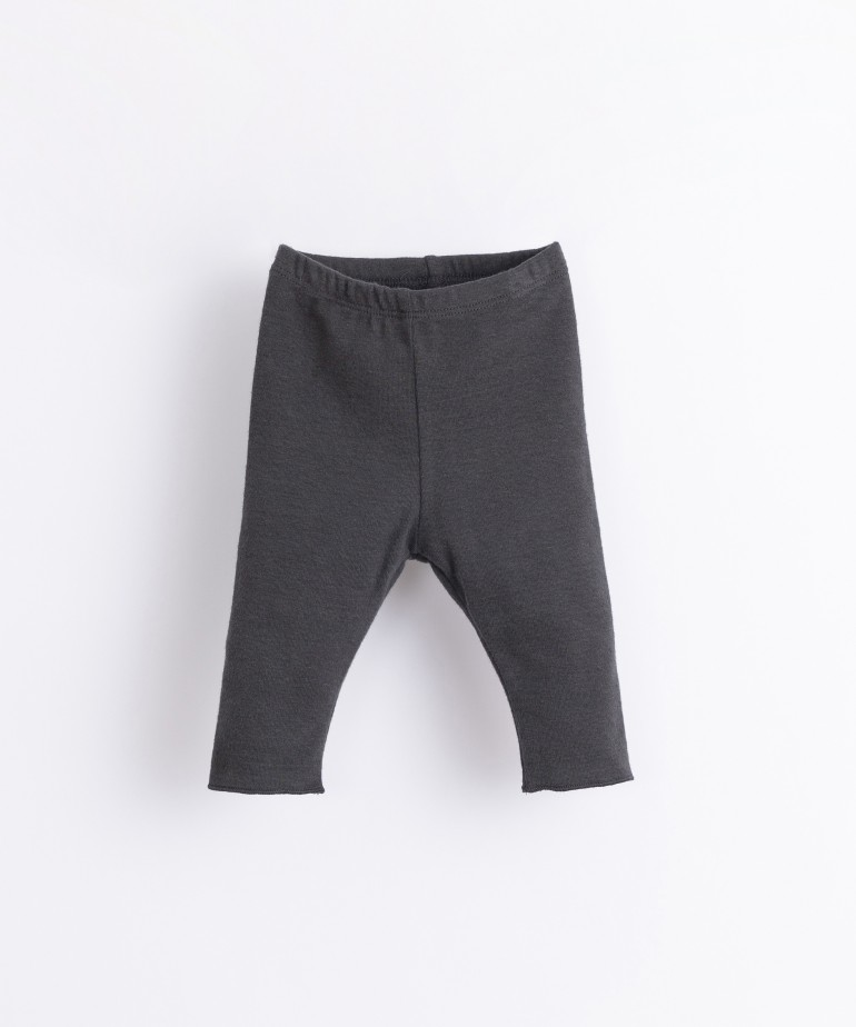 Organic cotton and recycled fibre leggings