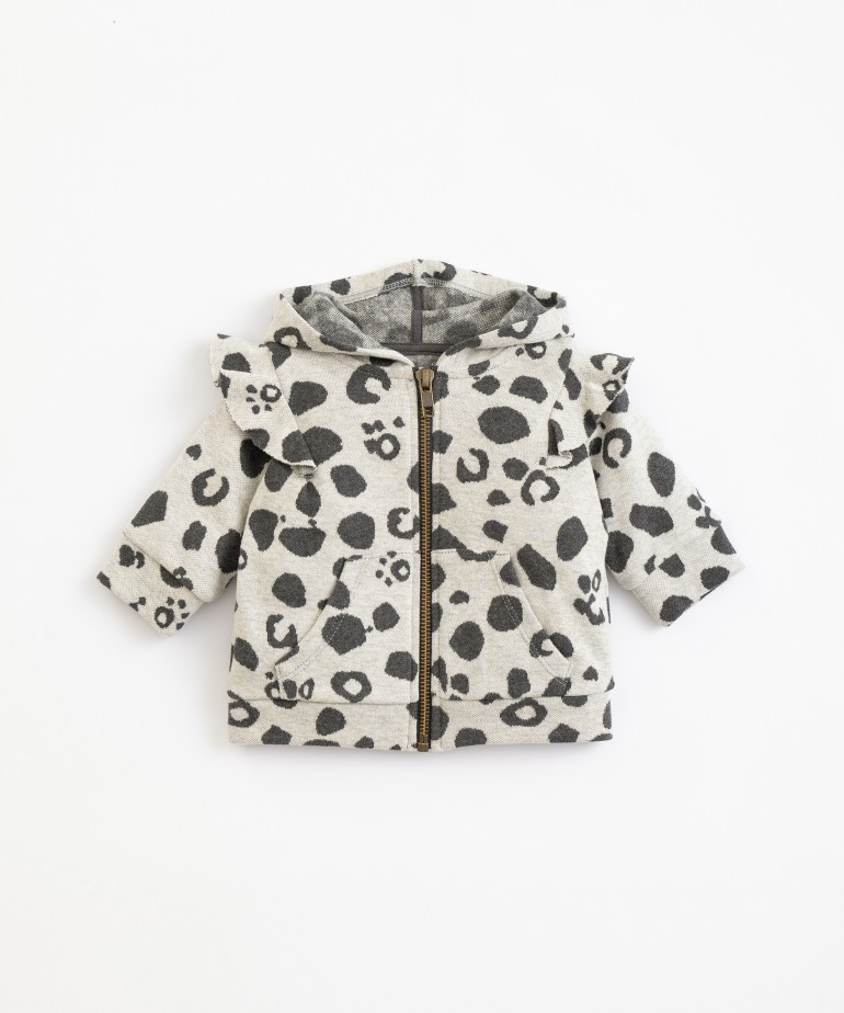 Organic cotton jacket with hood and pockets
