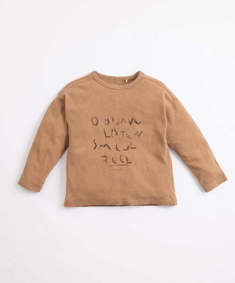 Camiseta con mezcla de fibras naturales y recicladas