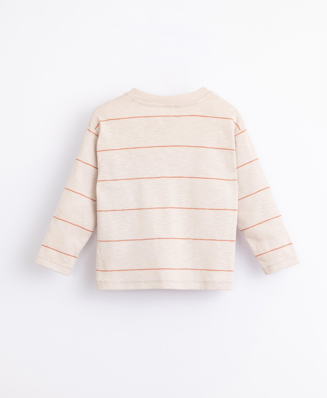 Camiseta de algodón orgánico de rayas | Illustration