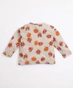 T-shirt with pomegranates print | Illustration