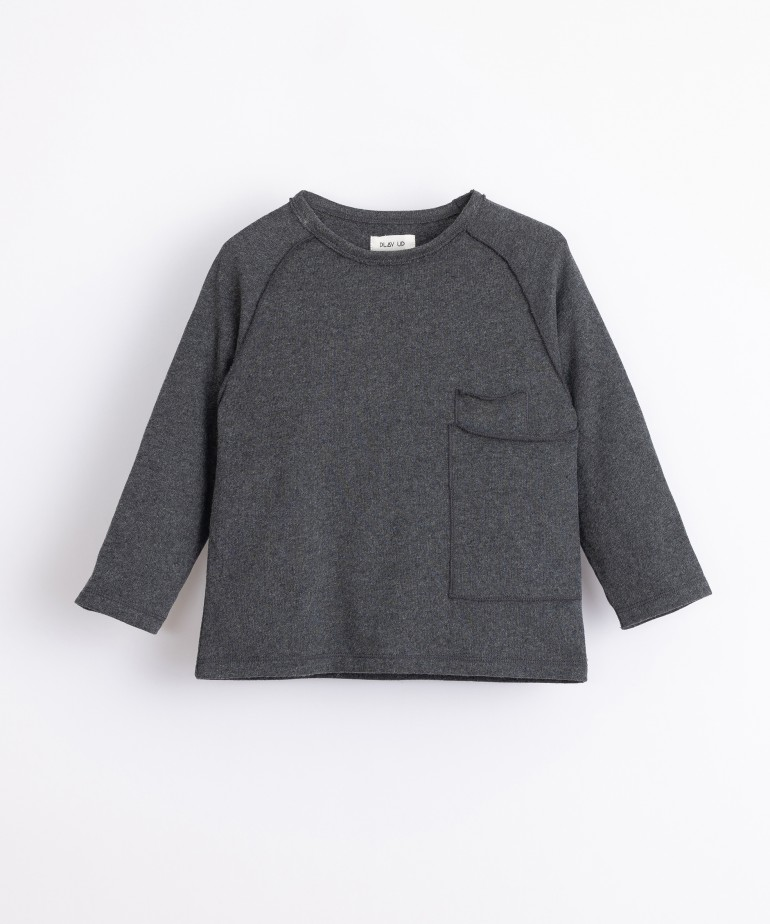 Jersey with two pockets