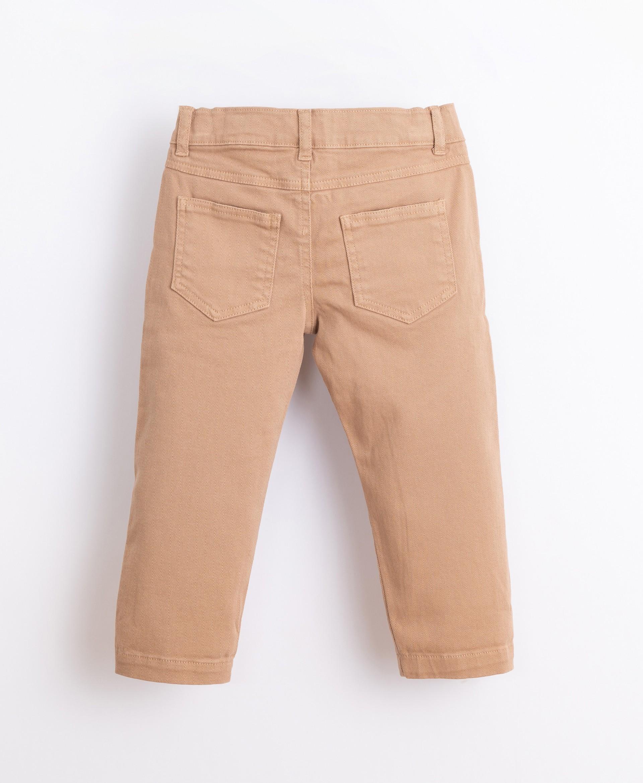 Pantalón de sarga con bolsillos | Illustration
