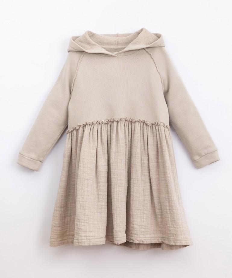 Vestido de algodón con capucha