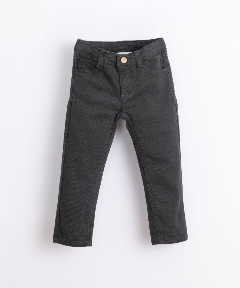 Serge trousers with coconut button