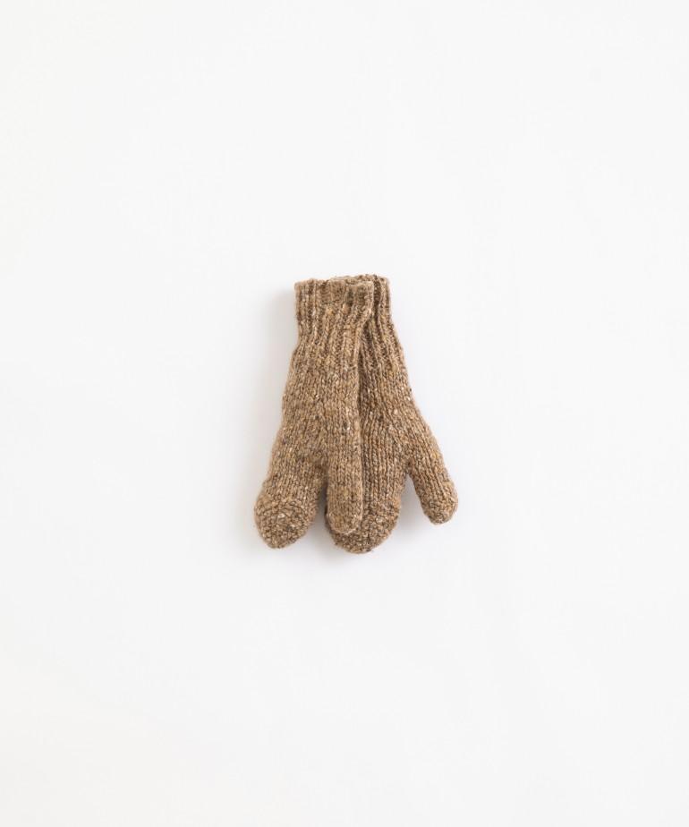Guantes de punto tricotado