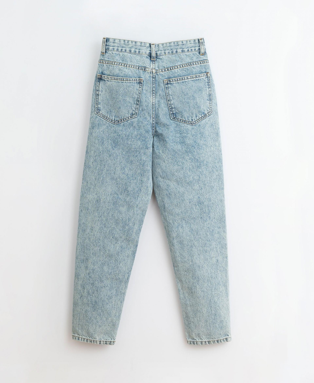 Denim trousers| Illustration