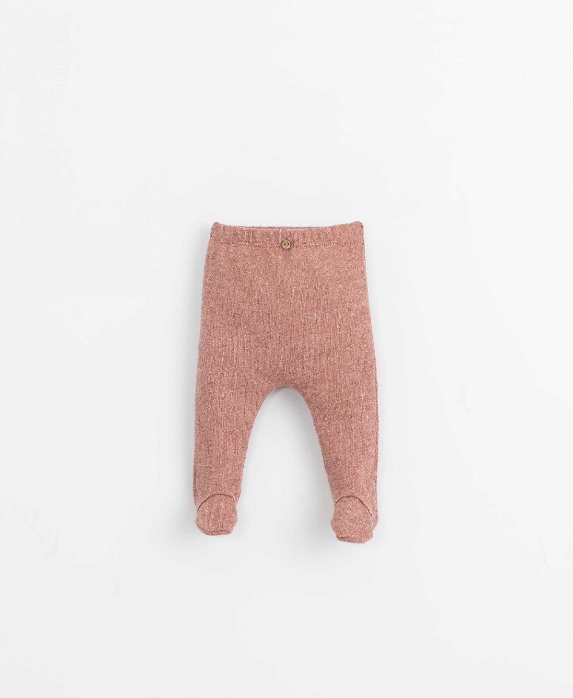 Conjunto jersey con bolsillo y pantalón | Illustration